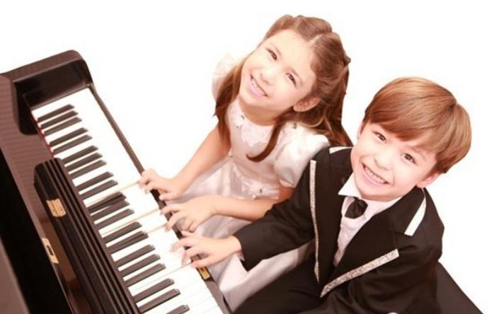 青岛和乐琴行告诉您学习钢琴对孩子有哪些帮助?