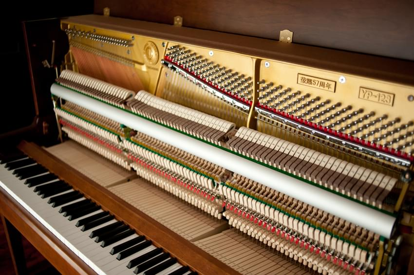 雅马哈钢琴与英昌钢琴的比较