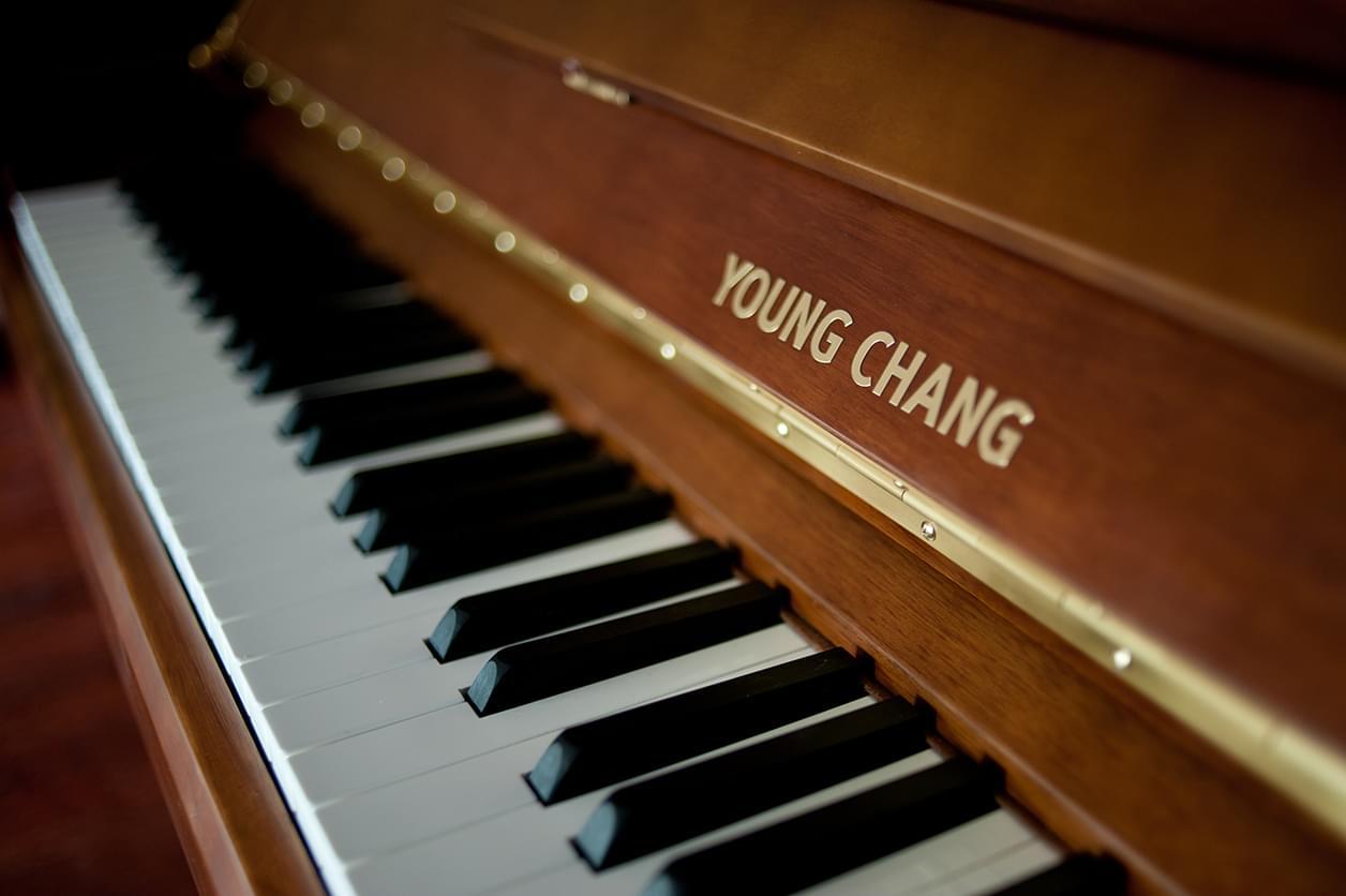青岛和乐琴行携手英昌钢琴帮你选购优质钢琴